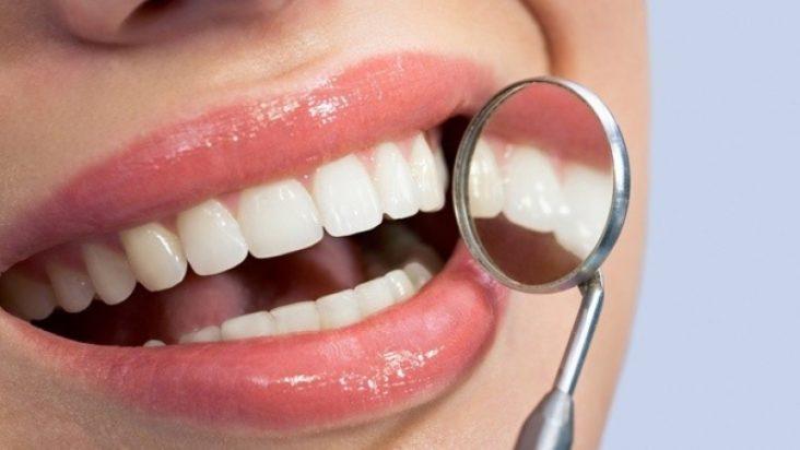 чистка зубів air flow